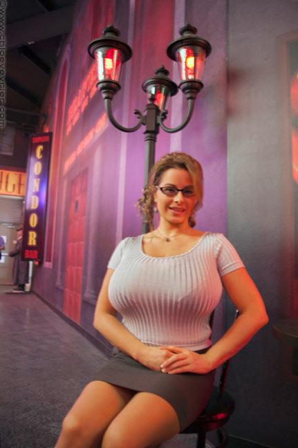 Chloe Vevrier in Erotic Heritage Museum