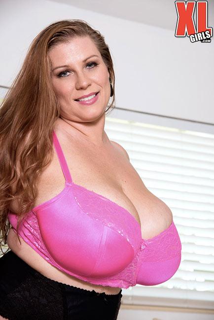 New lingerie updates of BBW Renee Ross